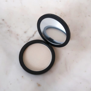 Youngblood Pressed Setting Powder - Light